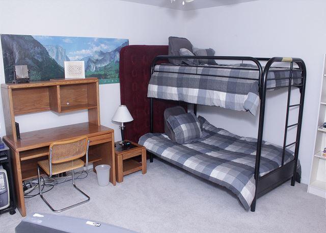 Bedroom 3 ( bunkbeds)