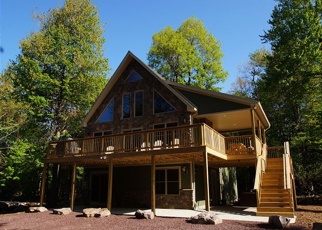 Poconos cabin rentals pocono mountain rentals for Pocono home builders