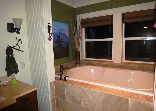 Sunset - Ocean View Tub