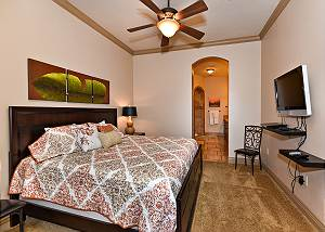 B4 - 3 Bed 2 Bath Westview 2nd Level Suite