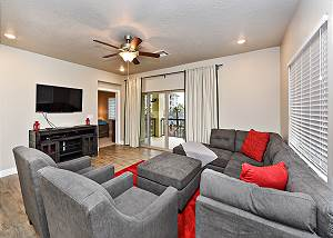 Estancia South Building 204 - 3 Bed 3 Bath 2nd level suite