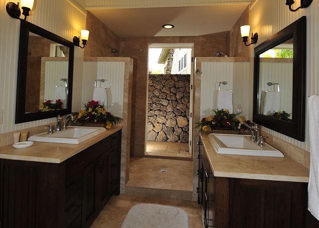 outdoor shower from Master bedroom