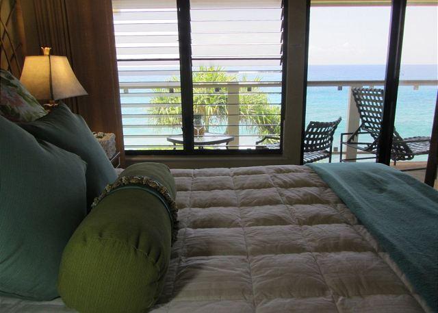 Poipu Shores 105C master bedroom to ocean