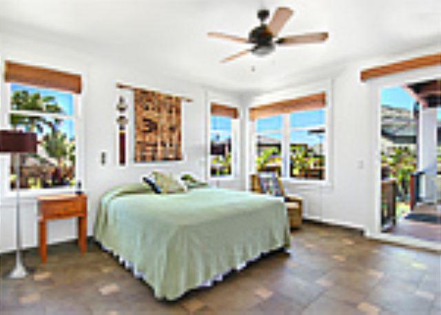 Ho'ohu Nani ground floor bedroom suite