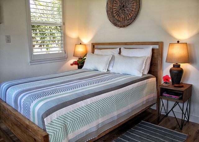 Ho'ona Hale bedroom