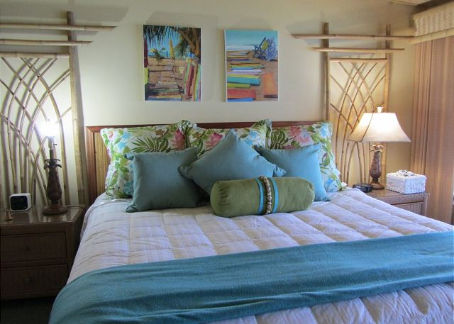 Poipu Shores 105C oceanfront master bedroom with king bed