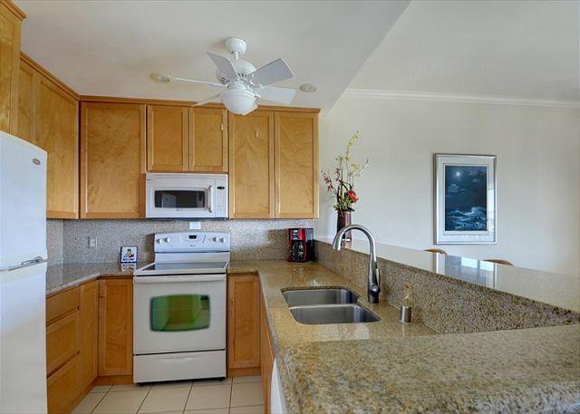 Poipu Sands 333 kitchen