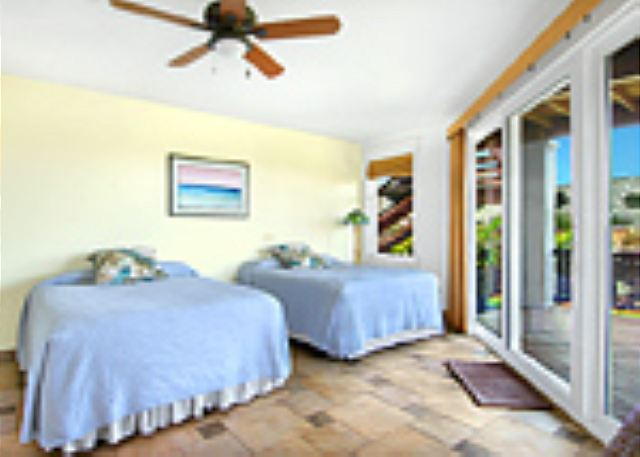 Ho'ohu Nani poolside bedroom suite