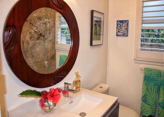 Ho'ona Hale vanity and mirror
