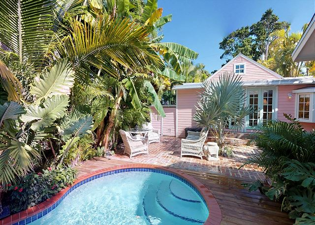 Hearts & Palms House-Quaint 3BD/3Bath Monthly Home Rental