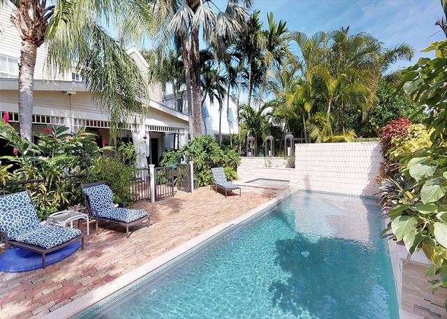 Tropical Oasis Monthly rental - Beautiful 5BD/4BA Pool/Spa parking