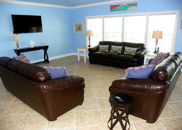 Pensacola beach fl united states ariola 1003 the for Living room with lots of seating
