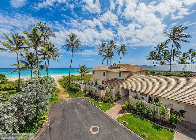 Located at the end of a private lane, Place in Paradise is beach front on beautiful Kailua Beach.