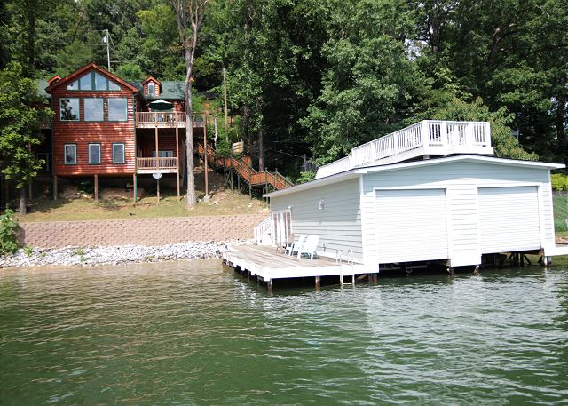 Keepers Cabin w/4 kayaks and large boat house(Sat. to Sat.)