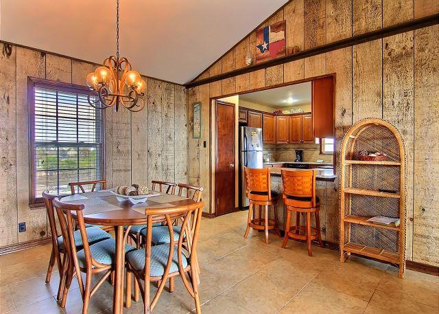 4 bedroom 3 bath home in the heart of Port Aransas with amazing Gulf Views! - Port Aransas, Texas