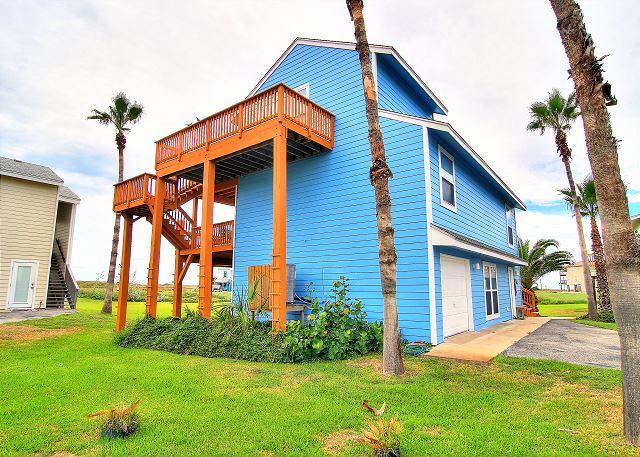Very nice home. Refreshing community pool! Easy beach access!