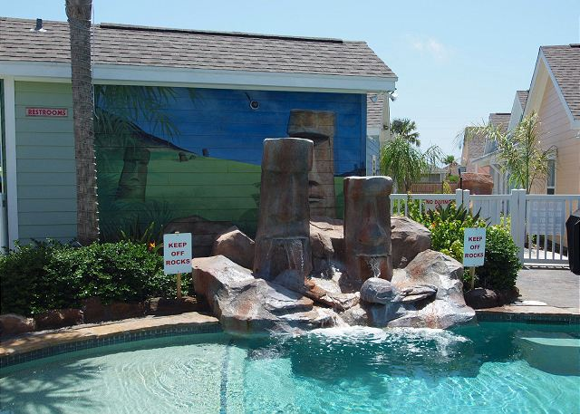 3 Bedroom 3 Bath home in tropical Pirates Bay! - Port Aransas, Texas