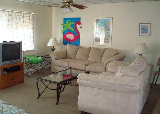 Sea Isle Village 1st floor condo, beach access, views the community pool - Port Aransas, Texas