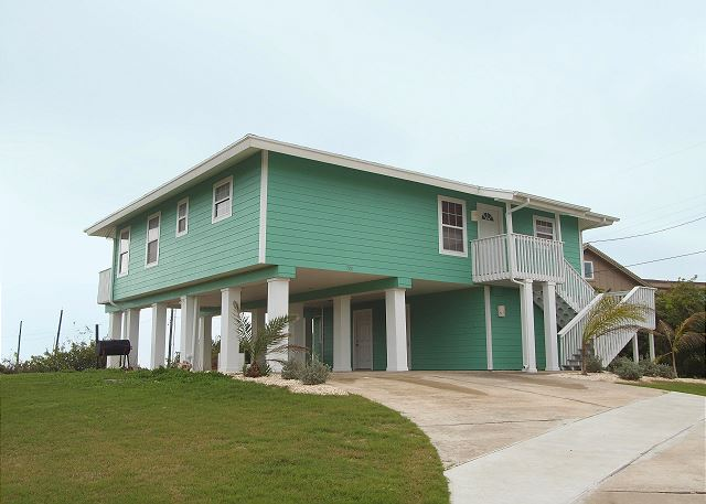 4 bedroom 3 bath home in the heart of Port Aransas with amazing Gulf Views! - Port Aransas, Texas