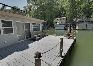 Grey Log Cottage Lake Lure Lakefront w/kayak and hot tub