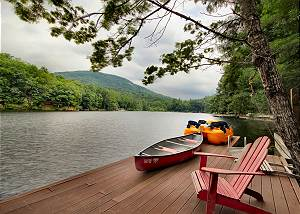 Cottage Walk on Bald Mountain Lake at Rumbling Bald Resort