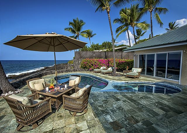 South Kona vacation rentals featuring 4 BR 3.5 BA, sleeps 10 ocean front