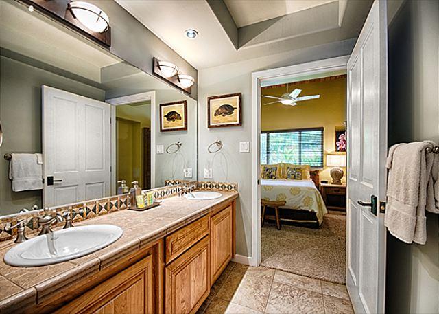 Pua Suite Double Sink Vanity Bath with Walk-in Shower