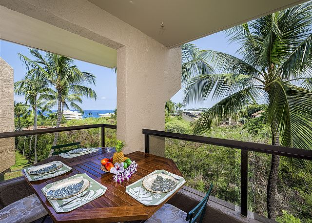 Kailua Kona vacation rentals featuring 1 BR 1 BA downtown ocean view