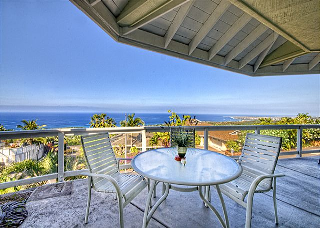 Kailua Kona vacation rentals featuring 3 BR 3 BA unobstructed ocean views