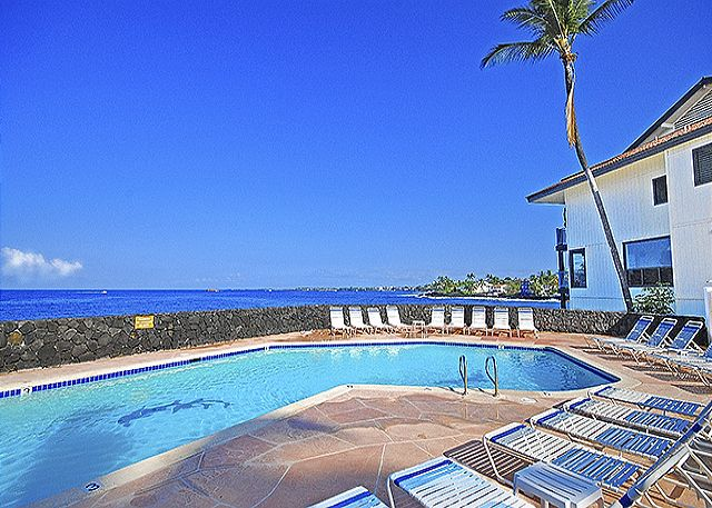 Kailua Kona vacation rentals featuring 2 BR 2 BA ocean front ground floor