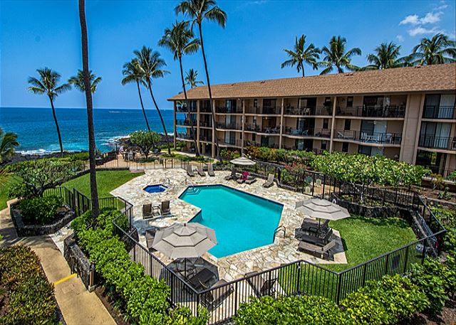 Kailua Kona vacation rentals featuring 1 BR 1 BA ocean view with a loft