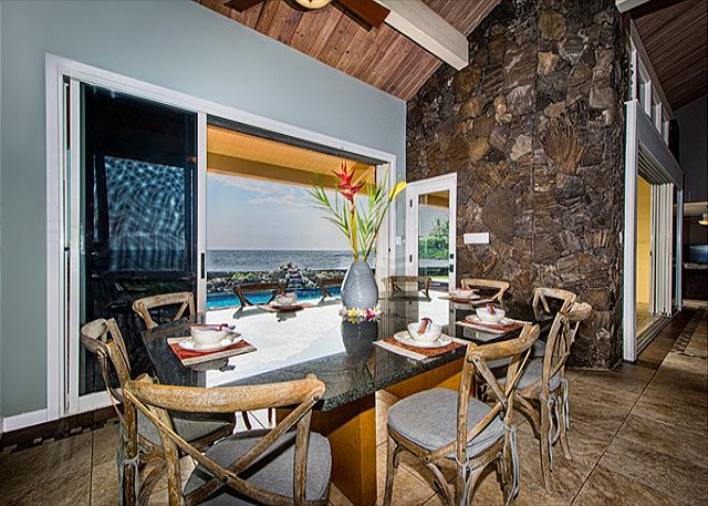 Ocean View Inside Dining for 10, Access to Lanai