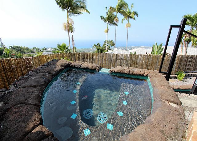 Kailua Kona vacation rentals featuring 4 BR 4 BA spectacular ocean views