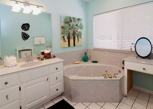 Jacuzzi Bathroom ~ Seagrove Beach, FL