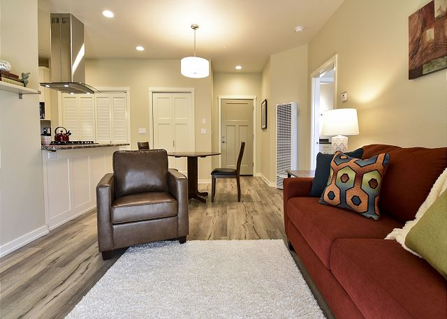 Willow Suite - Fresh, Brand New and Inviting! Perfect location, 30 Night Min