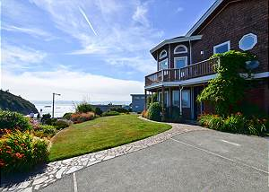 Trinidad Beach Home - right at Trinidad State Beach and the Harbor - 2 Bd/2Ba