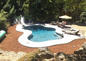 Creekside Home in Trinity Village with Beautiful Pool & Deck, Close to River
