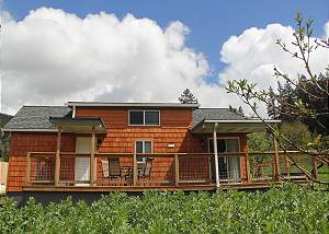 Peach Orchard's Little Home on a Working Ranch - Wonderful Getaway
