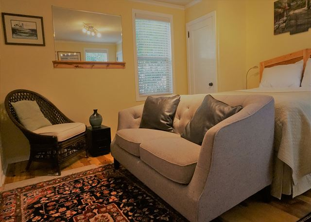 Carson Cottage - Quiet & Comfortable Studio near Sequoia Park