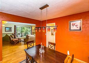 Mid Century 5 Bedroom, 2 story home w/ Redwoods next to Arcata Redwood Park
