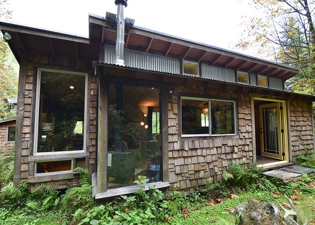 Stone Lagoon Cabin-Gaze at Wild Elk, Hike to Beach, close to Redwood Park