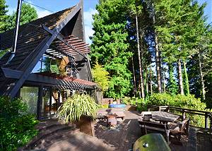 Westgate-Japanese A-Frame - Ocean Views, Hot Tub, Large Deck, Privacy