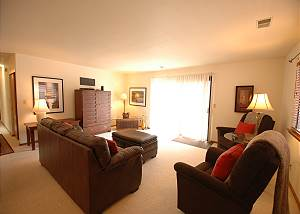 Robbie Lane Furnished Home - 30 day minimum stay