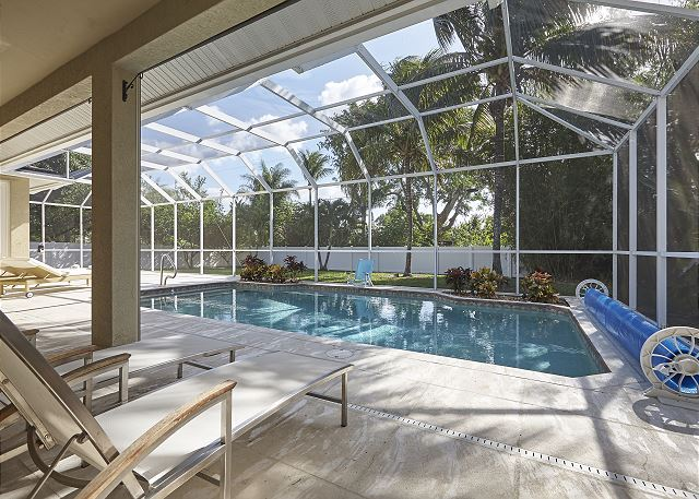 Private Gem - 2 Miles to Beaches! Private Heated Pool - Gorgeous Updated Home