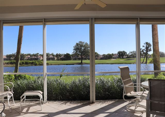 Walk to the Pool! Open and Bright Coach Home - Great Lake/Golf Views!