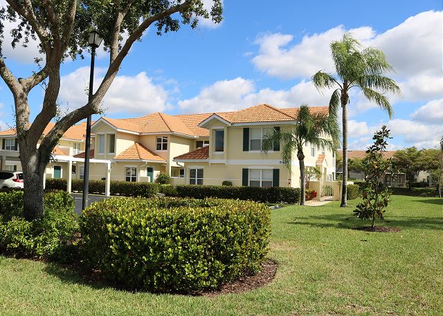 **Lake View Condo - 1st Floor - North Naples**