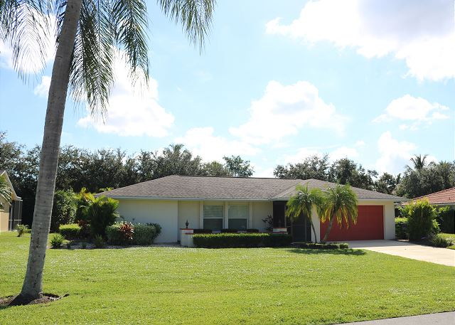 Spanish Wells Pool Home - Minutes to Bonita Beaches!
