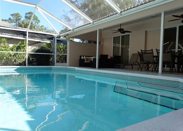 Pool Home in the Heart of Bonita Springs! Close to the Beaches!