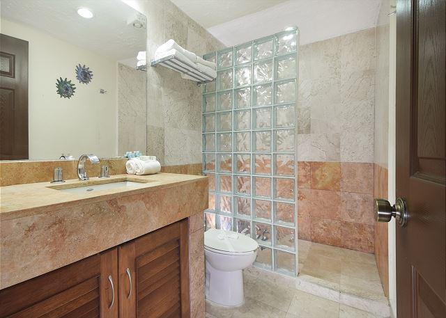 Xaman Ha 7116 Playa Del Carmen Master Bathroom