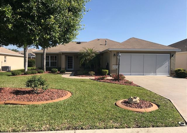 New listing!  Village of Glenbrook with gas golf cart!